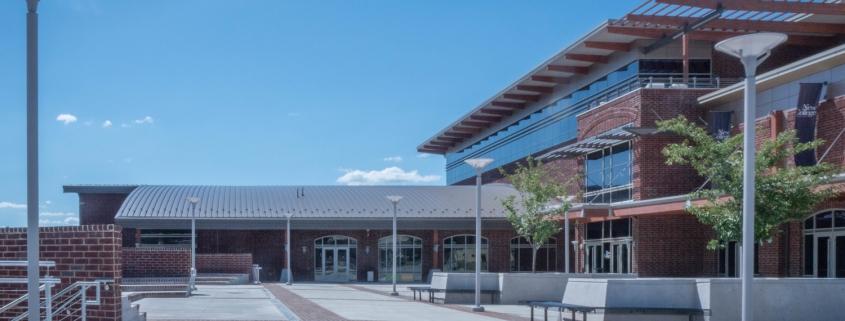 Image of Baldwin Building plaza